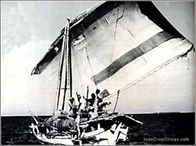 Tak hanya jenis Phinisi, salah satu jenis perahu orang Makassar (Macassan prau) seperti ini juga sampai ke pantai utara Australia pada tempo dulu.