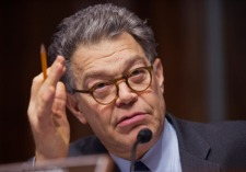Senator Al Franken, mengajukan surat terbuka kepada Niantic tentang privacy policy.